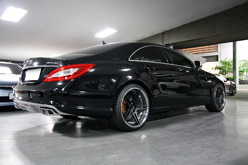 446274 Cls63 Amg Bc Forged Hb09 besides File Green Mercedes Benz CLS 63 AMG rr London14 in addition W218 Cls Class Lowering Systems together with 539349 Hre Forged Wheels Mercedes Benz Clk55 Clk63 Amg Black Series W208 W209 furthermore 437039 Mercedes Cls 63 Amg Hre 943rl 21 A. on mb cls63